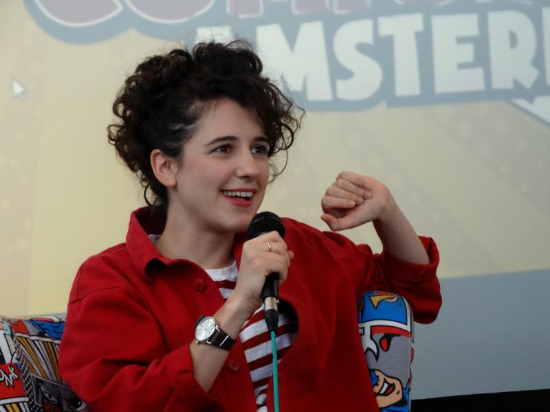 Ellie Kendrick tijdens haar panel (Foto: Lisanne van de Bunt)