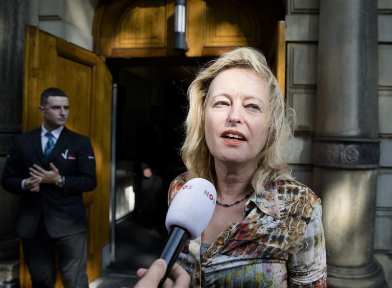 Minister krijgt 'cheque' voor onbetaald werk