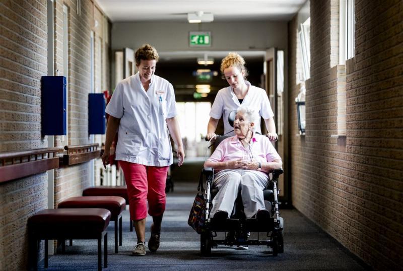 'Iemand moet stijgende zorgkosten betalen'