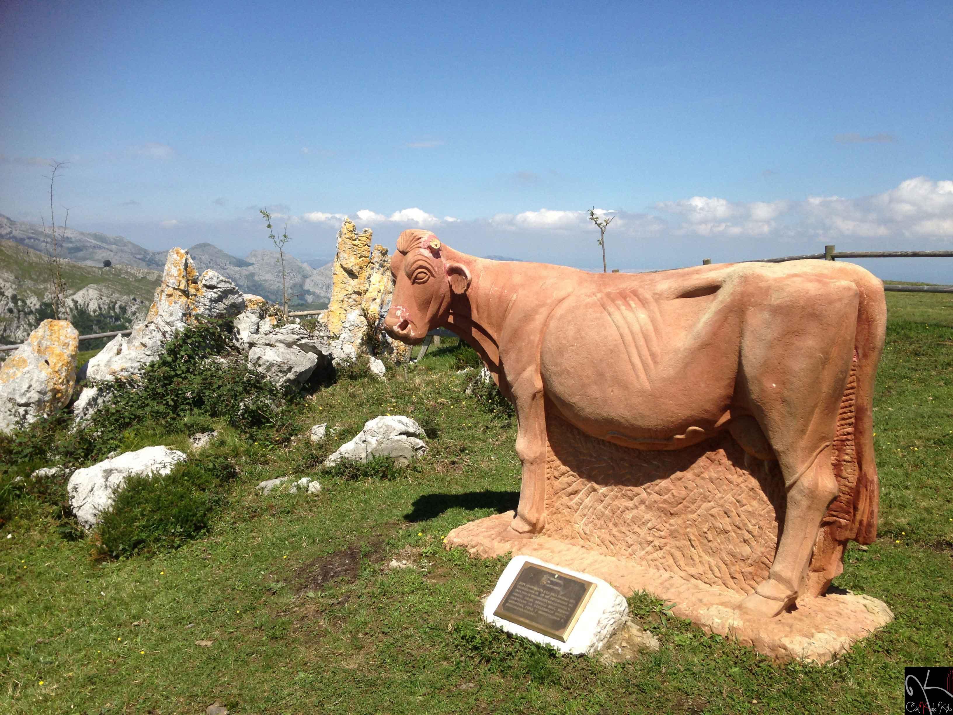 Een beeld van een koe op de top, helemaal geweldig (Foto: Panoramio)