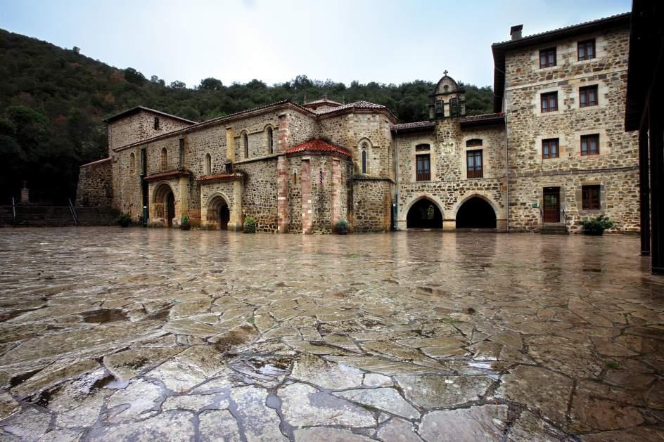 Het klooster waar een deel van Jezus' kruis staat (Foto: Panoramio)