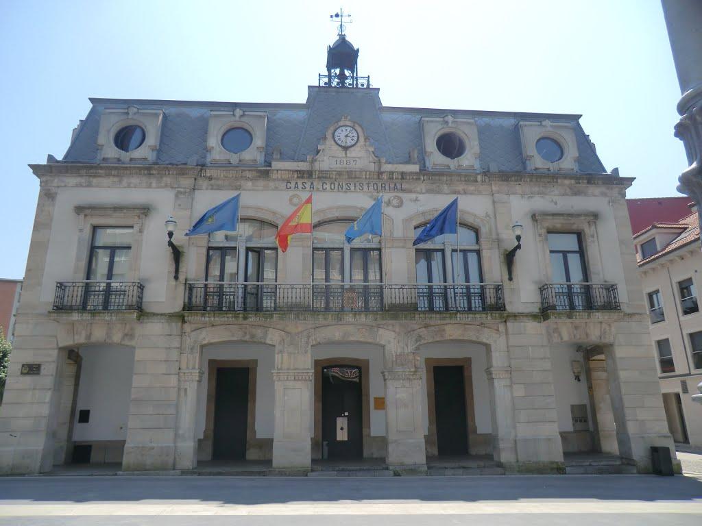 In Pola de Siero is alleen het stadhuis de moeite waard (Foto: Panoramio)