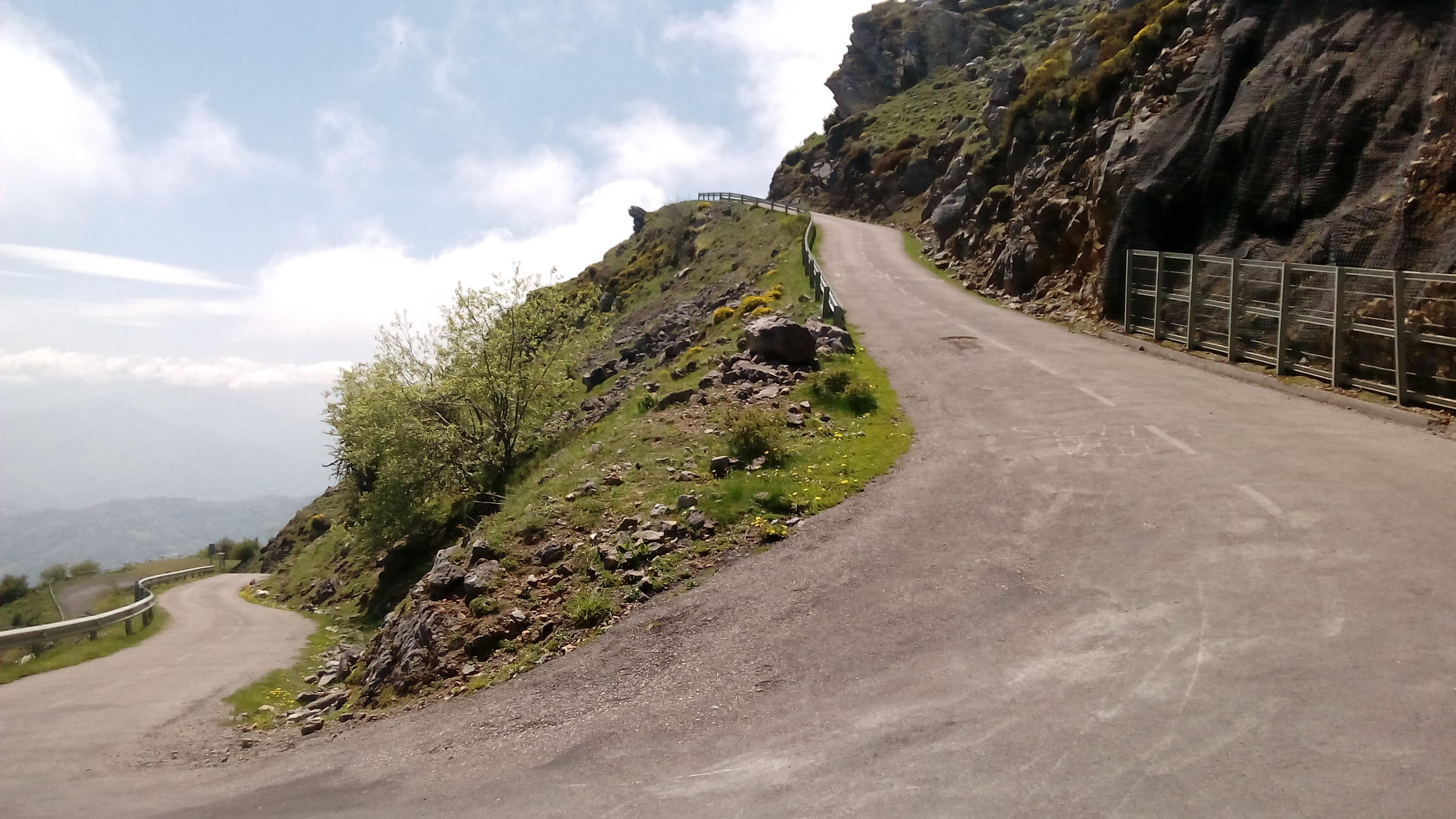 Nogmaals, een heerlijke klim, die Angliru (Foto: Panoramio)
