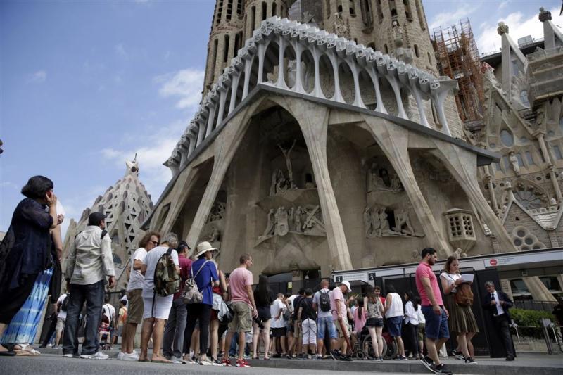 Politie zet gebied rond Sagrada Familia af
