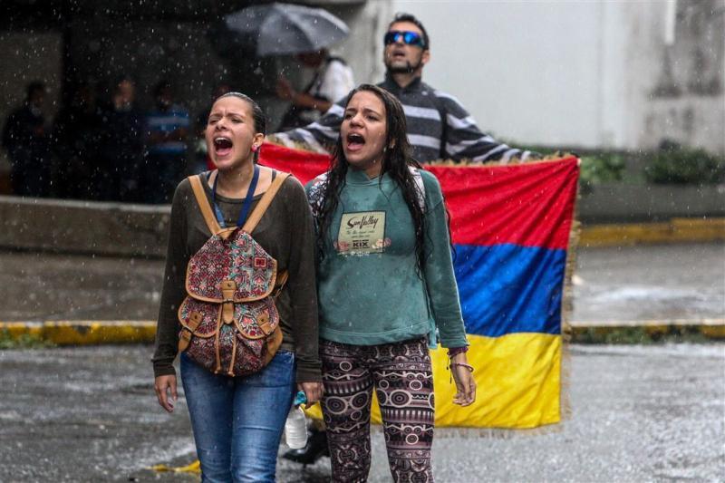 'Regering Maduro en oppositie in gesprek '