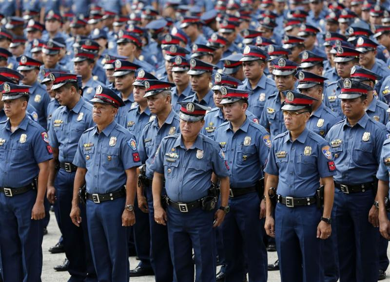 Compleet politiekorps Filipijnen geschorst