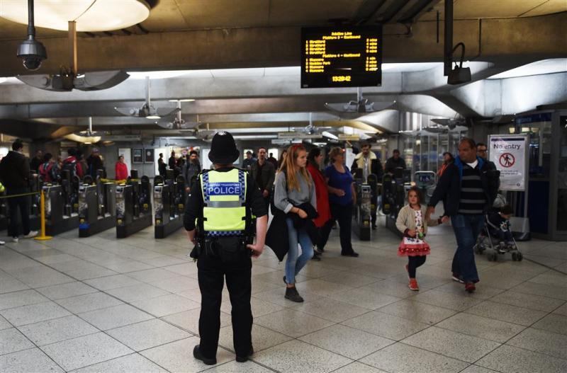 Politie doorzoekt huis in verband met aanslag