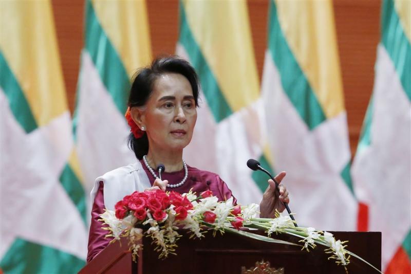 Suu Kyi spreekt land toe over geweld