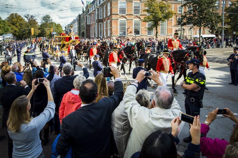 Politie weert spandoek Pegida