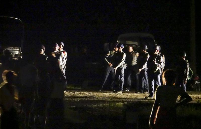 Boze menigte belaagt hulpverleners in Myanmar