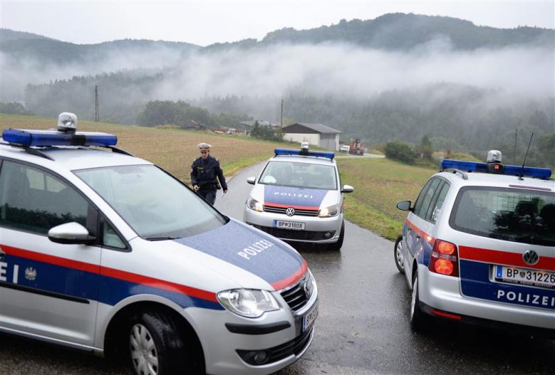 Oostenrijkse tiener (14) steekt vader dood