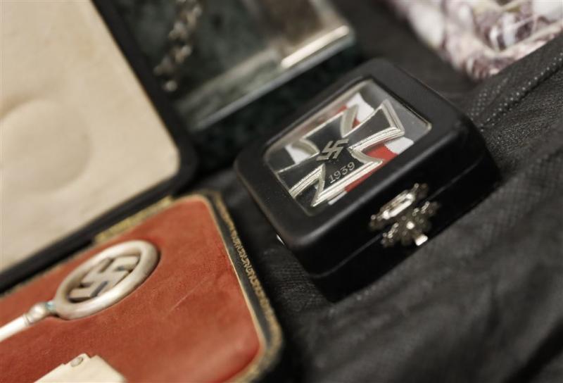Telefoonboekje Hitler geveild voor 37 mille