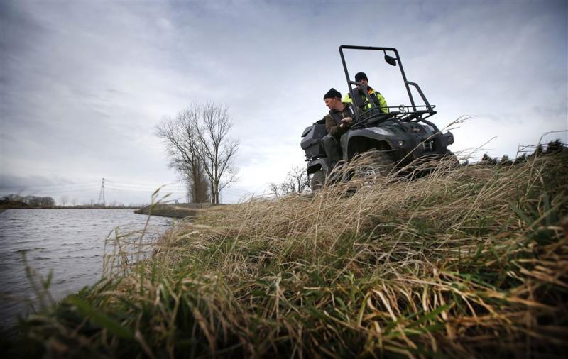 Controle van 1147 kilometer rivierdijk