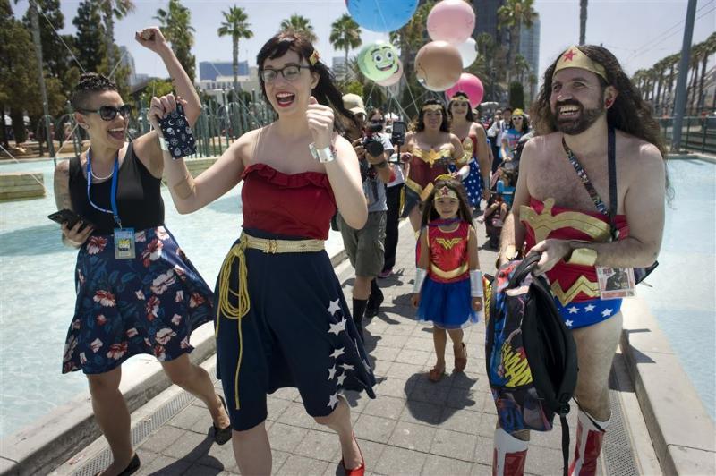 Fans vragen om biseksuele Wonder Woman