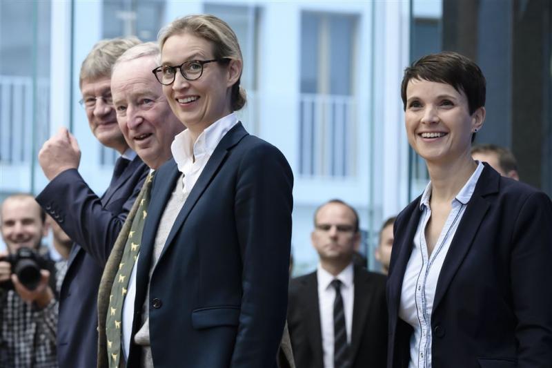 Topvrouw AfD eist vertrek voorzitter Petry