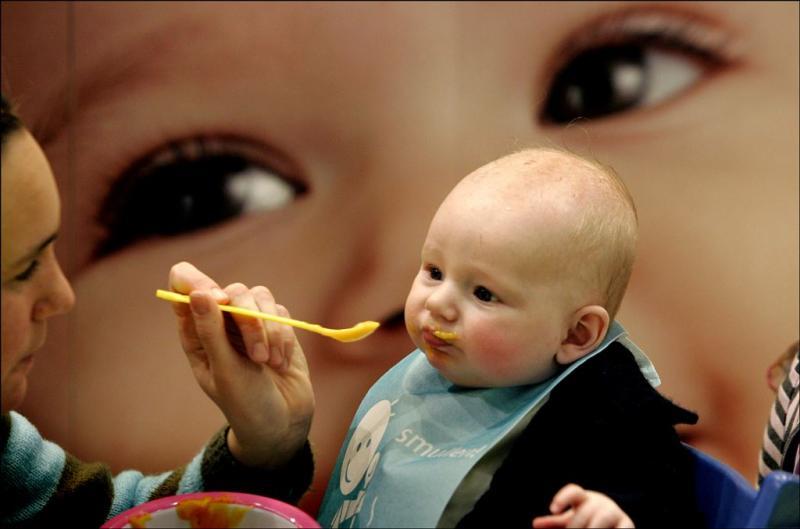 Afperser dreigt babyvoedsel te vergiftigen