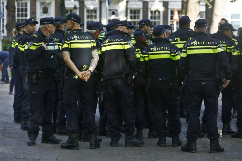 Politie voert actie voor beter pensioen