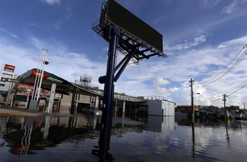 Trump vergemakkelijkt hulp aan Puerto Rico