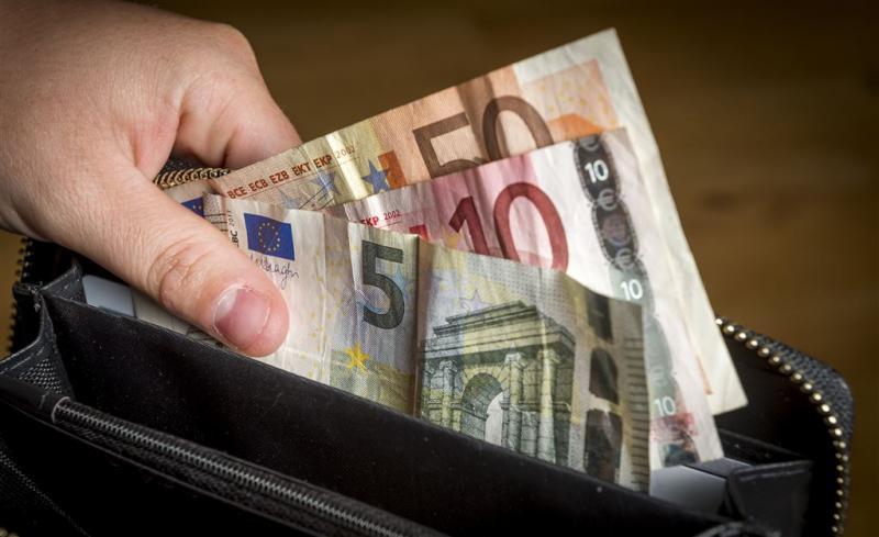 Meeste Nederlanders beter bij kas dan in 2013