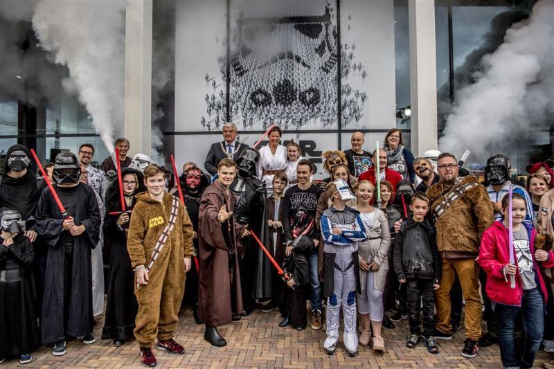 Burgemeester opent Star Wars Identities