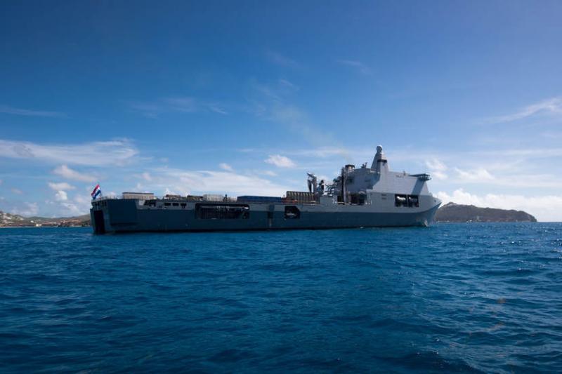Zr. Ms. Karel Doorman aangekomen in Sint Maarten (Foto: Ministerie van Defensie)