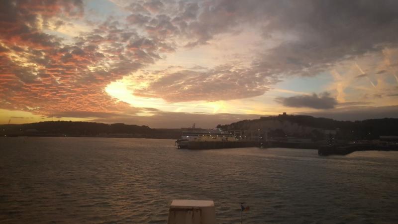 De haven van Dover bij zonsondergang (Foto: Iteejer)