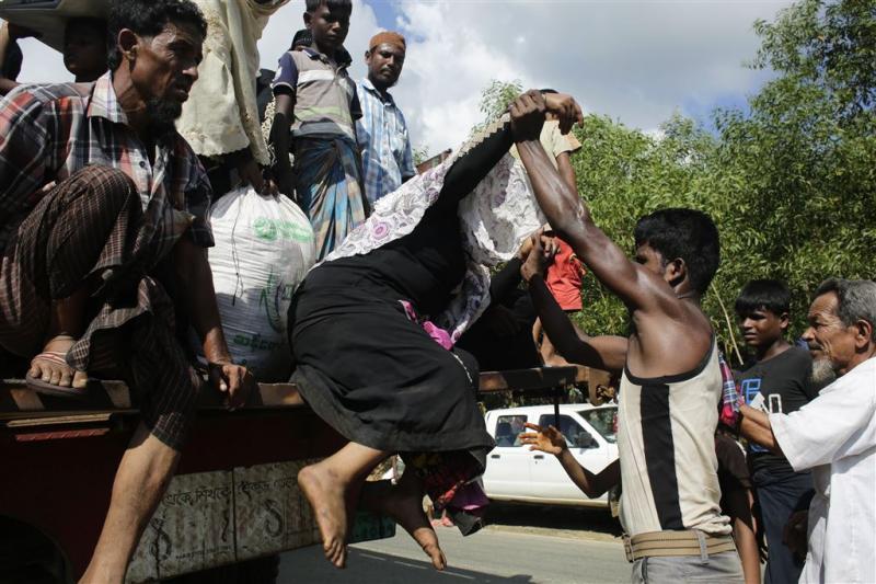 Vluchtelingenboten in Bangladesh vernield