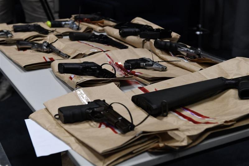 Australiërs leveren 51.000 vuurwapens in