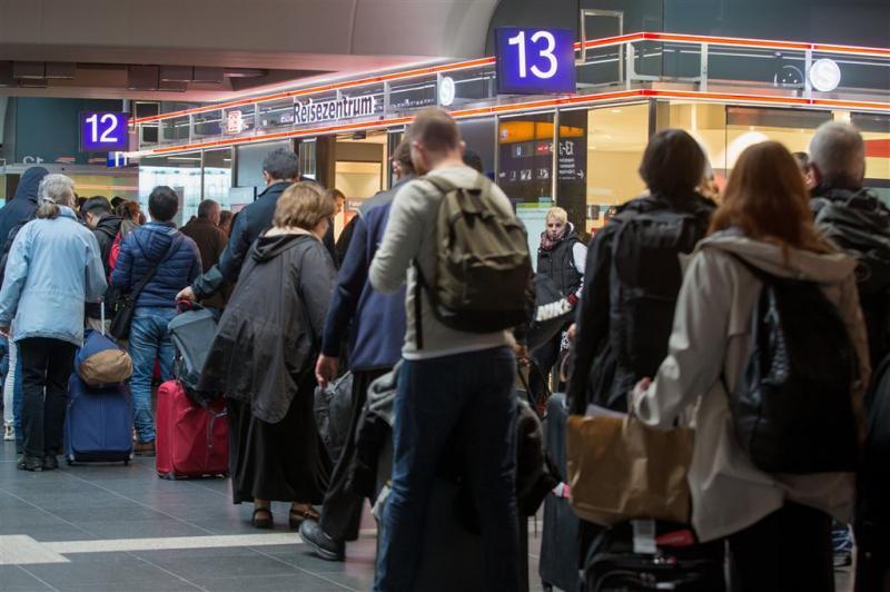 Duits treinverkeer blijft verlamd na storm