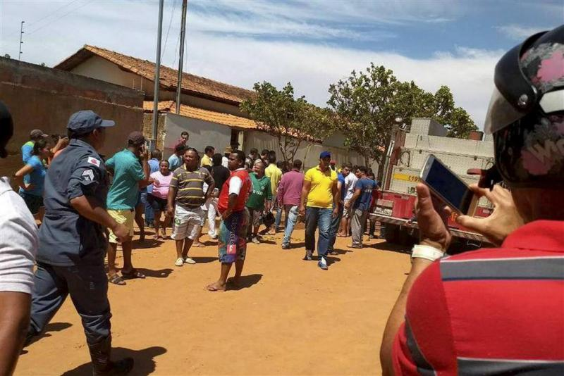 Dodental aanslag Braziliaanse crèche naar 9