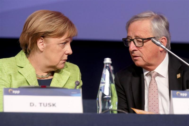 Merkel en Juncker bellen over Catalonië