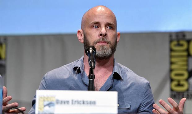 Dave Erickson tijdens een panel van San Diego Comic Con