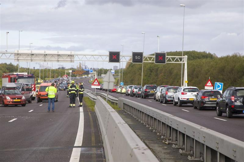 Veel zondagse files na ongeval A9 Velsen-Zuid