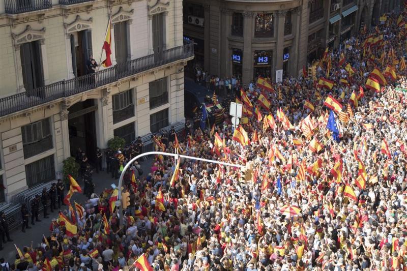 Honderdduizenden betogen voor Spaanse eenheid