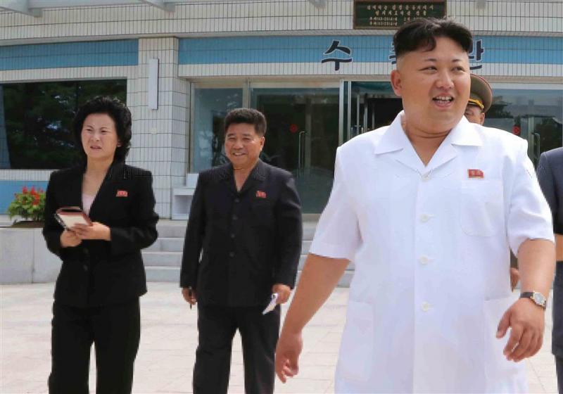 Noord-Koreaanse Kim promoveert zus