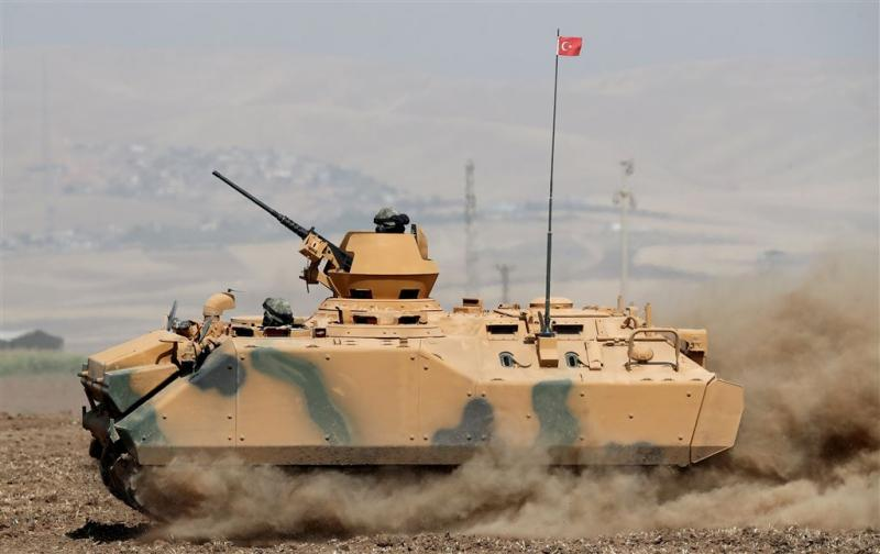 'Turkse leger rijdt Syrië binnen'