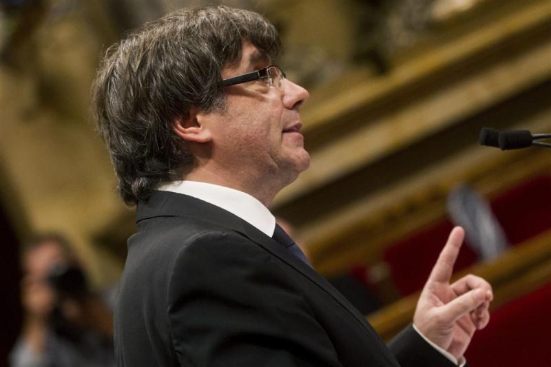 Puigdemont tekent 'onafhankelijkheidsverklaring'