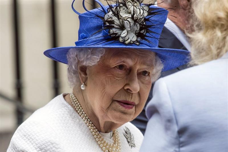 Elizabeth II ziet af van kranslegging