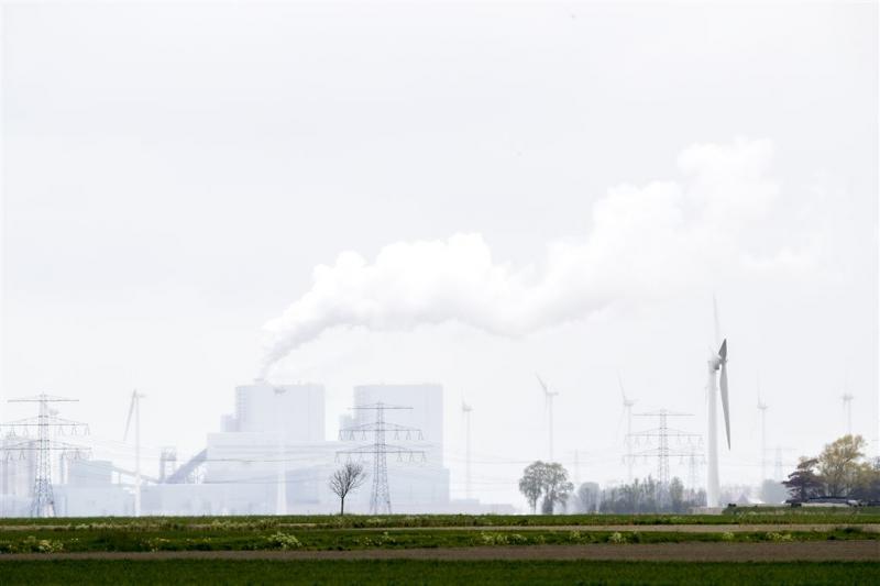'Sluit kolencentrales om doelen te halen'