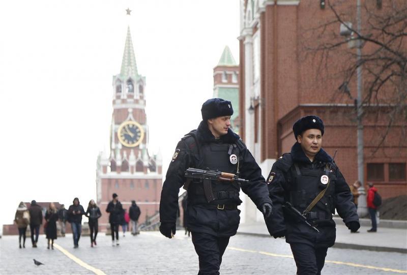 Russische radiojournaliste in nek gestoken