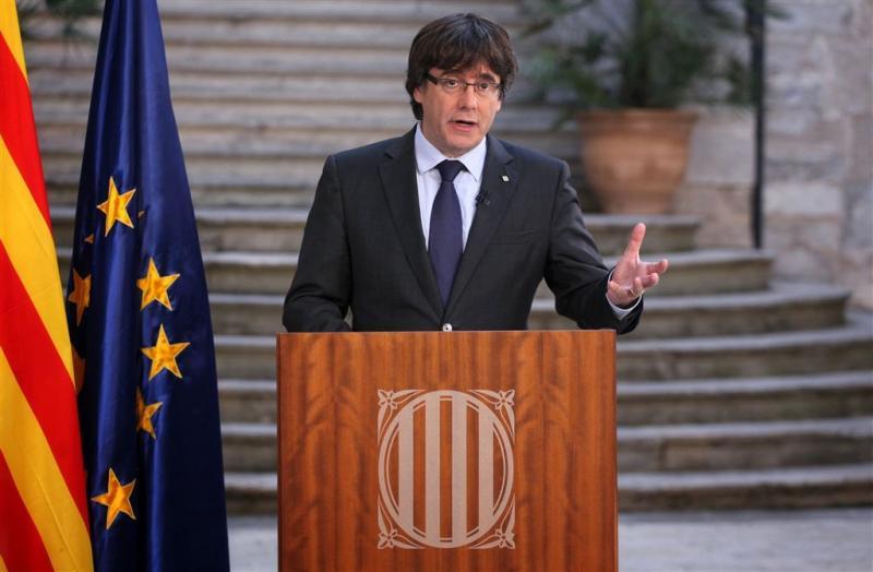 Puigdemont kondigt vreedzaam verzet aan