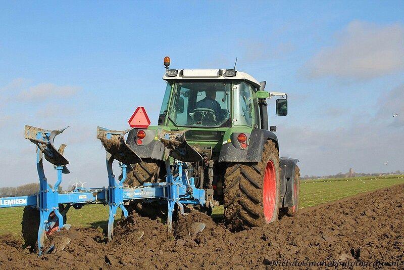 Lekker weertje om op het land te werken (Foto: Niels Dolsma)