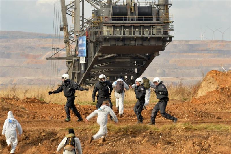 Politie grijpt in bij actie Duitse kolenmijn
