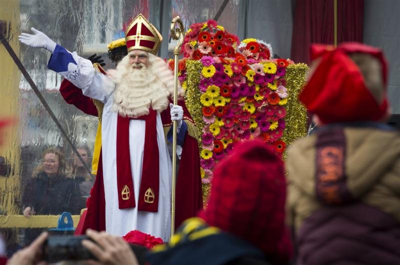 Sint komt met 'bont gezelschap aan helpers'
