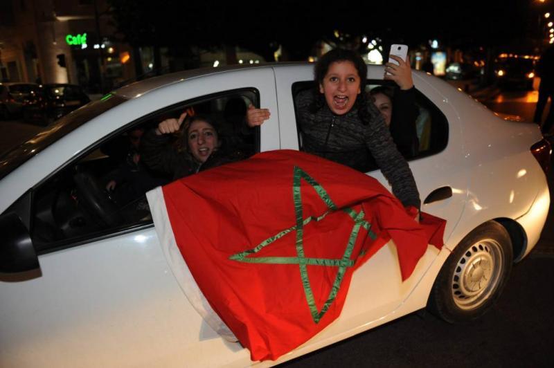 Feestende menigte viert Marokkaans succes