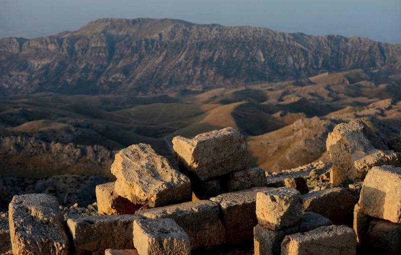 3000 jaar oud kasteel ontdekt in Turks meer