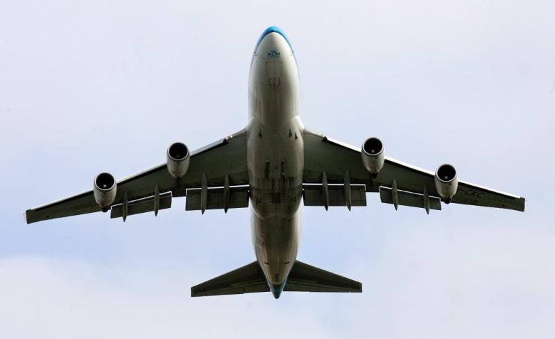 Vrachtvliegtuig van baan geraakt bij landing
