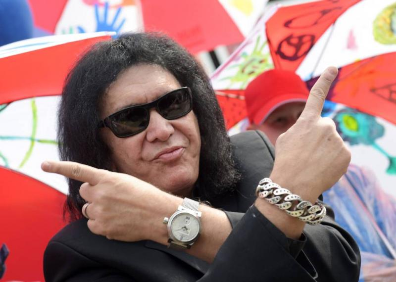 Zender Fox doet Gene Simmons in de ban