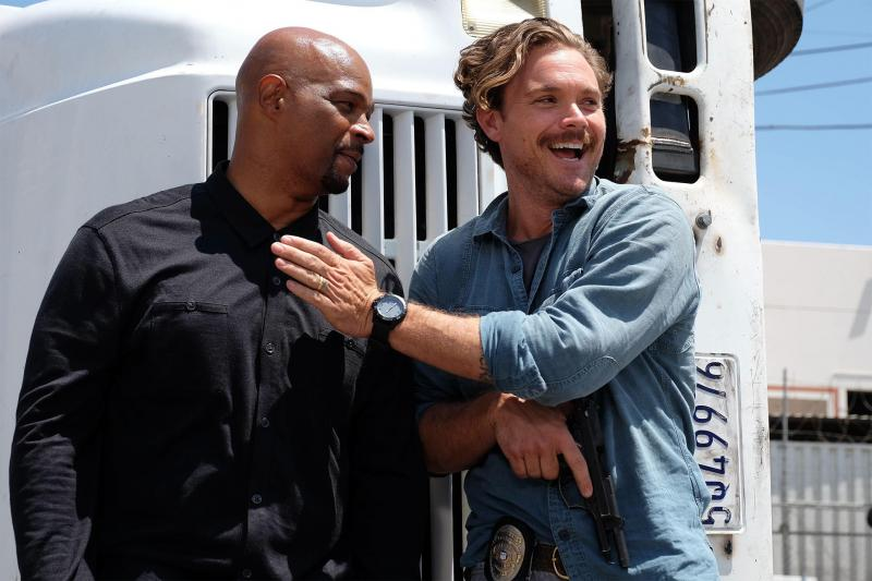 Lethal Weapon Murtaugh & Riggs laughing