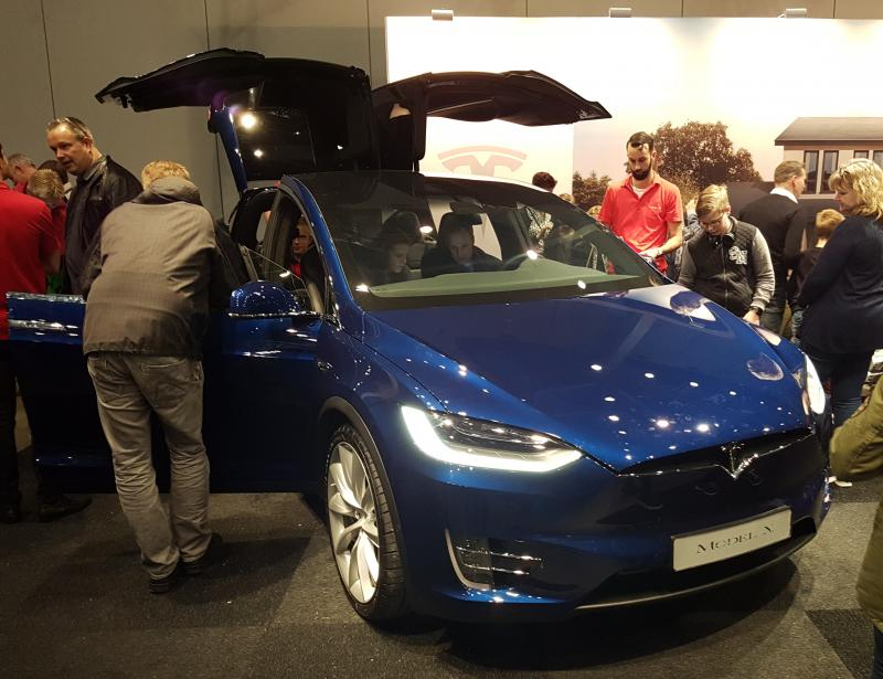 Bright Day - Tesla model X